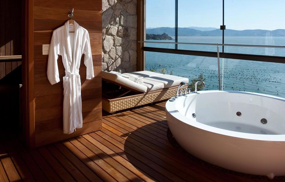 spa tub bath